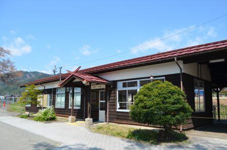 0306M 130504 hida-ichinomiya station.jpg
