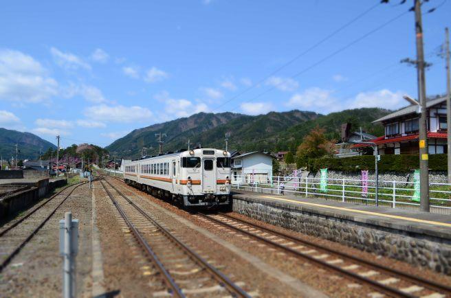 0313W 130504 hida-ichinomiya station.jpg