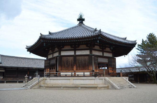 140209 2609W horyuji temple.jpg
